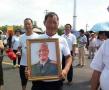 """开国将军张震骨灰安葬故乡湖南平江 """"阔别70余年的孩子""""回家了"""