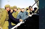面对美国人的威胁 他回答:我必将效忠中国人民!