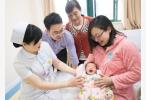 201斤产妇剖宫产生了个12斤巨婴 她的脂肪有10公分厚