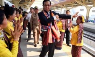 泰国八年来首次大选非官方结果出炉 两大党均称将组建联合政府