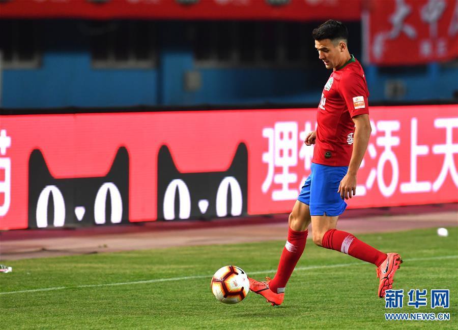 (体育)(30)足球——中超:上海绿地申花胜河南建业