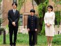 明仁天皇退位前4天 有人在日本皇室唯一皇孙课桌旁放了两把刀