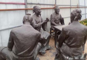 郑州生态廊道青铜塑像遭破坏 大部分残缺不全