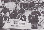 72年前天皇宣布投降时的日本:全部国民都是同一个可怕表情!