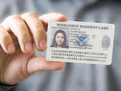 快检查!美国移民局因制卡错误追回8543张绿卡