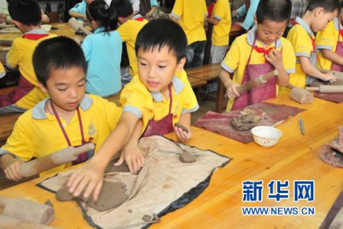 北京小升初特长生考试热度不减 有家长半夜排队等号