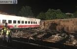 台铁列车出轨已致18死160伤 事故原因或为车速过快